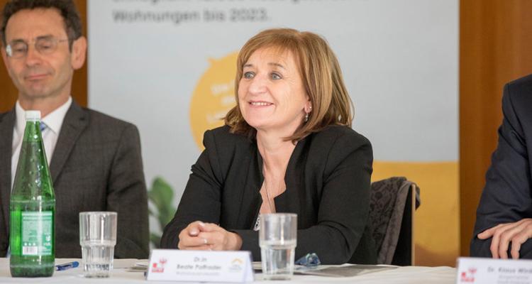 Land Tirol informiert im Bezirk Schwaz über neue Förderungen