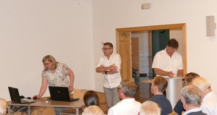 Breitbandausbau - Walter Handle, Christine Stadlwieser (LWL-Competence-Center)
